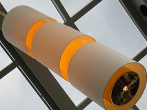 Moderna Amber Commercial Lighting Sculpture Royaltyfri Fotografi