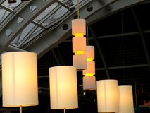 Moderna Amber Commercial Lighting Sculpture Arkivbilder