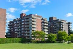 Moderna andelsfastighetbyggnader i skjulet Helgon-Luc Royaltyfria Foton