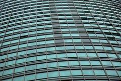 Moderna architerchureglasväggfönster Royaltyfria Foton