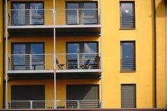 Moderna balkonger av ettfamilj hus Royaltyfri Foto