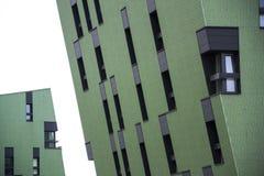 Moderna bostads- lägenheter som bor husyttersida Royaltyfria Bilder