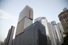 Moderna byggnader för olik stil i den Guangzhou solnedgången Royaltyfri Fotografi