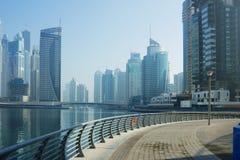 Moderna byggnader i den Dubai marina Fotografering för Bildbyråer