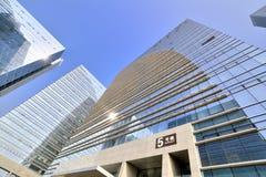 Moderna byggnader i geometri Royaltyfria Foton