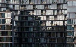 Moderna byggnader i härden av den london staden Arkivfoto