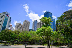 Moderna byggnader i Manila, Filippinerna Royaltyfri Bild