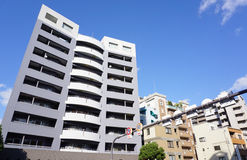 Moderna byggnader i Osaka, Japan Arkivbilder