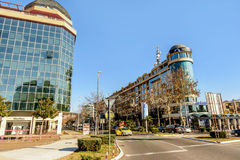 Moderna byggnader i Podgorica, Montenegro Royaltyfri Fotografi