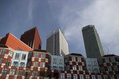 Moderna byggnader i stadsmitten av Haugen, alla byggnader Arkivfoton