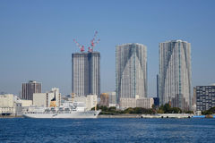 Moderna byggnader i Tokyo, Japan Arkivfoto
