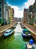 Lamong kanal i Amsterdam royaltyfria bilder