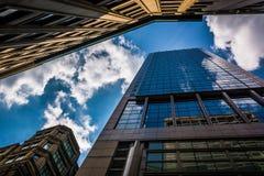 Moderna byggnader längs Franklin Street i Boston, Massachusetts Royaltyfri Fotografi