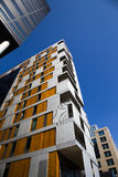 Moderna byggnader och blå himmel i stadens centrum Oslo 4 Arkivbild