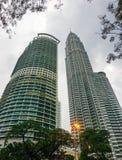 Moderna byggnader på affärsområdet i Kuala Lumpur, Malaysia Royaltyfri Bild