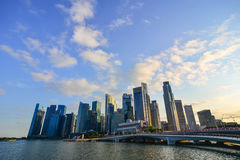 Moderna byggnader på centret i Singapore Fotografering för Bildbyråer