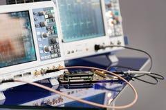 Moderna digitala mäta instrument Multimetric utrustning Royaltyfri Bild