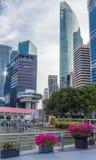 Moderna futuristiska byggnader och skyscapers Arkivfoton