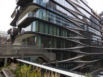 Moderna futuristiska seende byggande New York Royaltyfria Foton