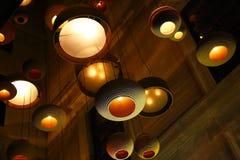 Moderna hängande lampor Arkivbilder
