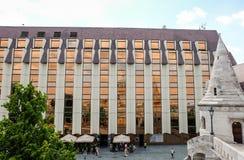 Moderna Hilton Hotel i Budapest arkivbild