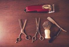 Moderna hjälpmedel för barberare` s Royaltyfri Bild