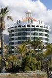 Moderna hotell på Playa de Las Americas, Tenerife Royaltyfri Foto