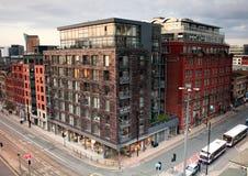 Moderna hyreshusar av Manchester Fotografering för Bildbyråer
