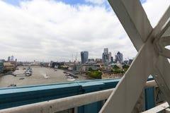 Moderna kontorsbyggnader i London, sikt från tornbron, London, Förenade kungariket Royaltyfri Foto