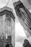 Moderna kontorsbyggnader i London Southwark - LONDON - STORBRITANNIEN - SEPTEMBER 19, 2016 Arkivfoton