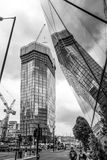 Moderna kontorsbyggnader i London Southwark - LONDON - STORBRITANNIEN - SEPTEMBER 19, 2016 Royaltyfria Bilder