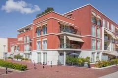 Moderna lägenheter i projektet Havenaer i Wassenaar, Nederländerna Royaltyfri Bild