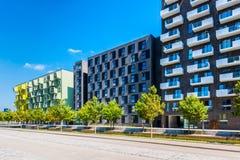 Moderna lägenhetlägenheter i det Orestad området av Köpenhamnen Danmark Royaltyfri Fotografi