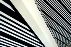 Moderna linjer för byggnadsinreabstrakt begrepp Arkivbild