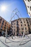 Moderna Monumento en los Castellers i Barcelona, Spanien Royaltyfri Foto