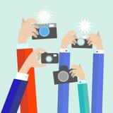 Moderna plana fotografhänder med tar fotoet Royaltyfri Fotografi
