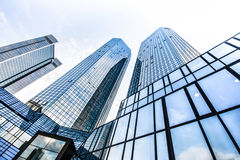 moderna skyskrapor för affärsområde Arkivfoto