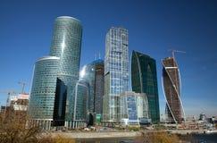 Moderna skyskrapor i Moskva Royaltyfri Fotografi