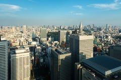 Moderna skyskrapor och kontorsbyggnader i Shinjuku, Tokyo Royaltyfria Foton