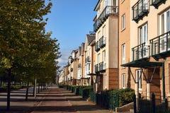 Moderna terrasserade hus och lägenheter Arkivbilder