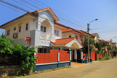 Moderna townhouses Royaltyfri Foto