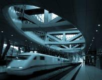 moderna trainstation arkivfoton