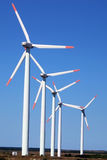 Moderna vindkraftgeneratorer Royaltyfri Fotografi