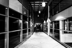 Moderne architectuur in een gang in York van de binnenstad, Pennsylvania Royalty-vrije Stock Foto's