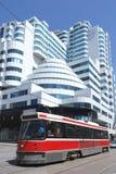 Moderne architectuur en tram Stock Foto