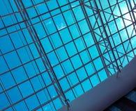 Moderne architectuur ontwerpmetaal stock foto's