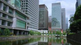 Moderne architectuur in Tokyo de stad in - TOKYO/JAPAN - JUNI 18, 2018 stock videobeelden