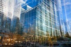 Moderne architectuur van Canary Wharf, Londen Veelvoudig blootstellingsbeeld stock afbeelding