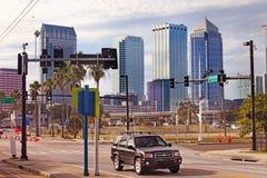 Moderne Architektur innen von Tampa, Florida USA Lizenzfreie Stockbilder