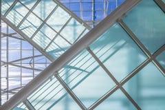 Moderne Architektur mit Glas und Stahl Stockbild
